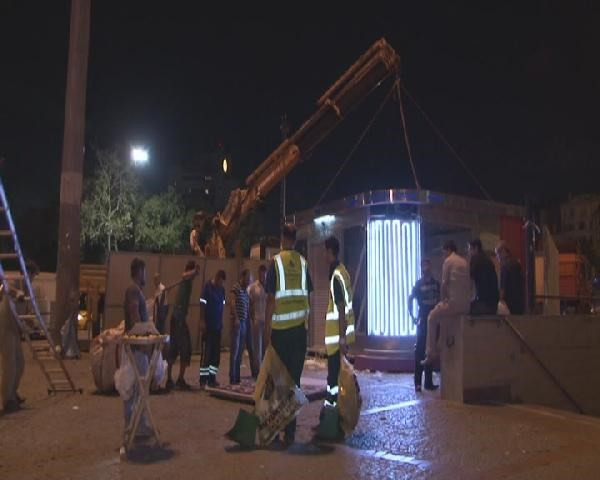 Taksim'de yenileme çalışmaları devam ediyor