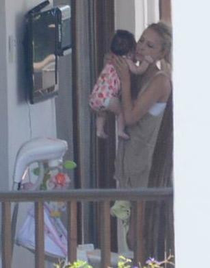 Bebek Tatlıses ilk kez görüntülendi