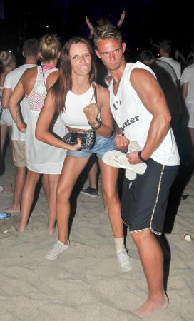 Plajda beyaz parti