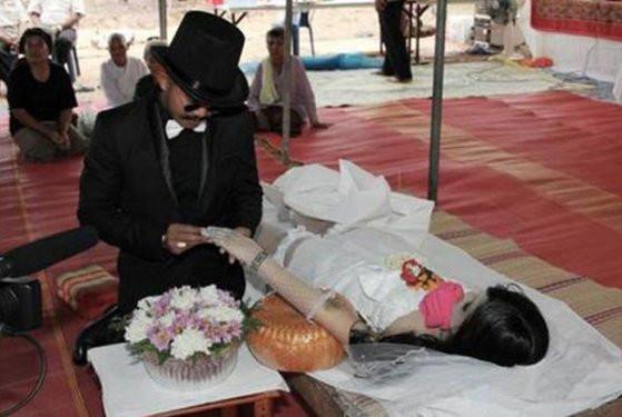Evlenmek için insanları seçmediler