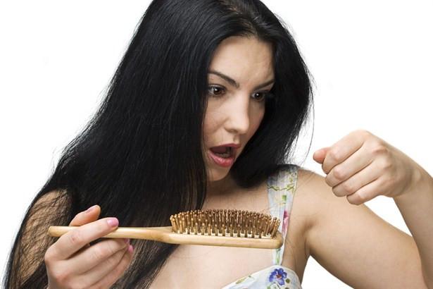 Saçlarınız neden dökülüyor?