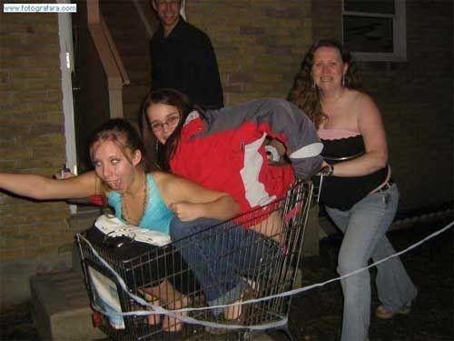 Sarhoş kızlar Facebookta
