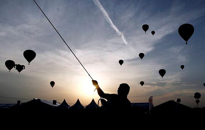 Balonlar rekor için havalandı