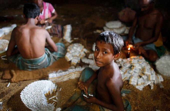 Bangladeş'in küçük sigara işçileri