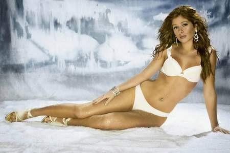 Nikki Sanderson