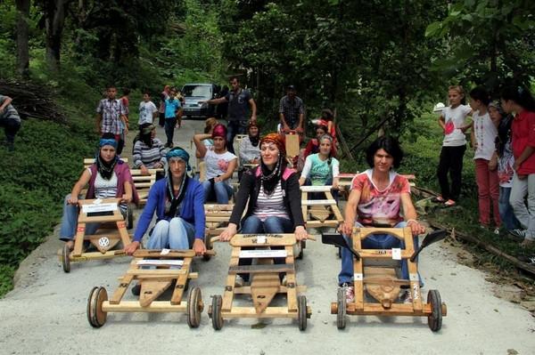 Kadınlar Lazi Rallide yarıştı