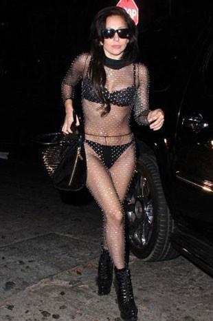 Lady Gaga sınırları zorluyor