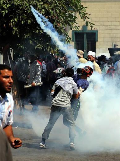 Mısırda darbe karşıtlarına kanlı müdahale