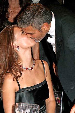 Ünlülerin en ateşli öpücükleri