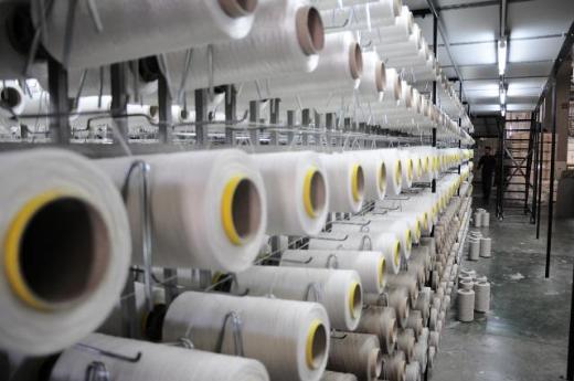 30 dev fabrikada greve gidildi