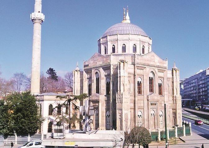 Osmanlı'nın 'valide' camileri