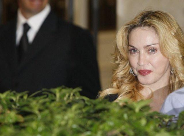 Madonna da altın diş modasına uydu