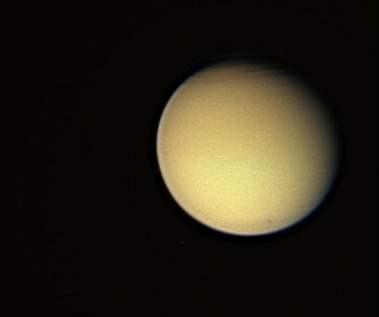 Saturnün uydusundan müthiş fotograflar !