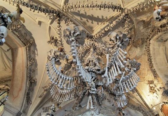 İnsan kemiklerinden yapılan klise