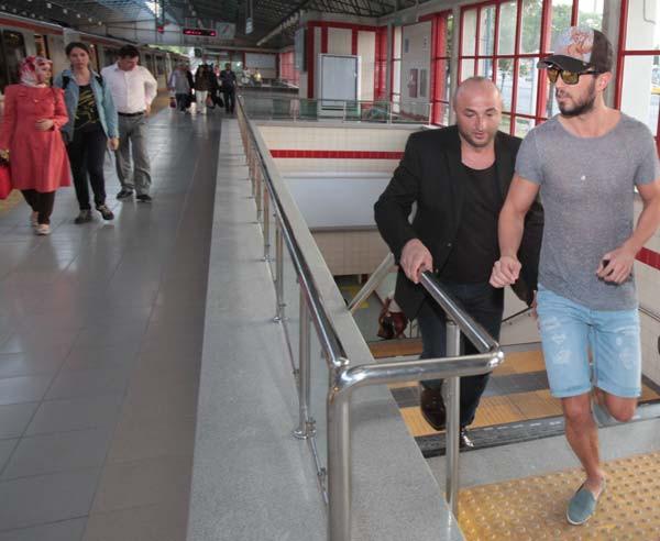 Ankara metrosunda onu görenler şaştı kaldı