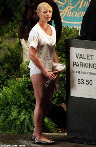Katherine Heigl iç çamaşırlarıyla yakalandı