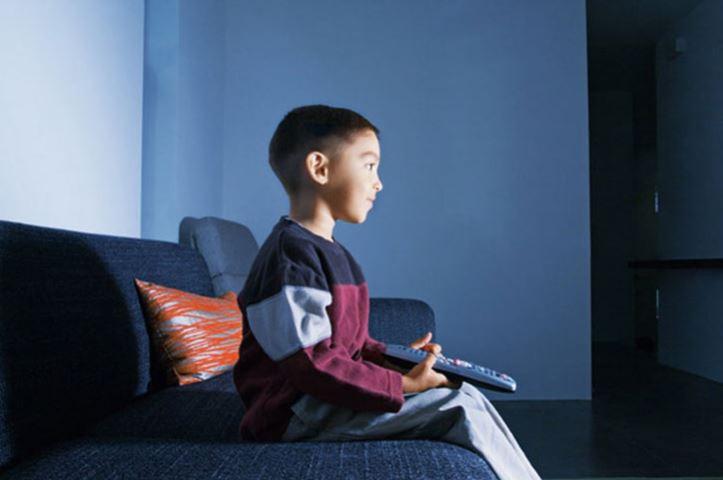 Çocuklarınızı televizyondan uzak tutmanın yolları