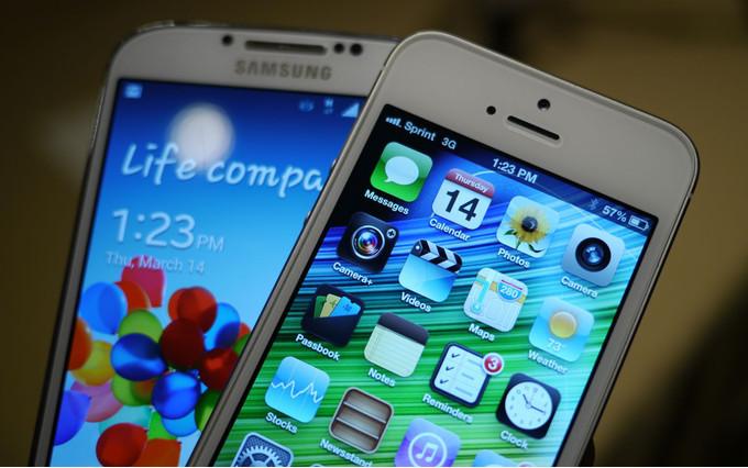Galaxy S4 mü?, iPhone 5S mi?
