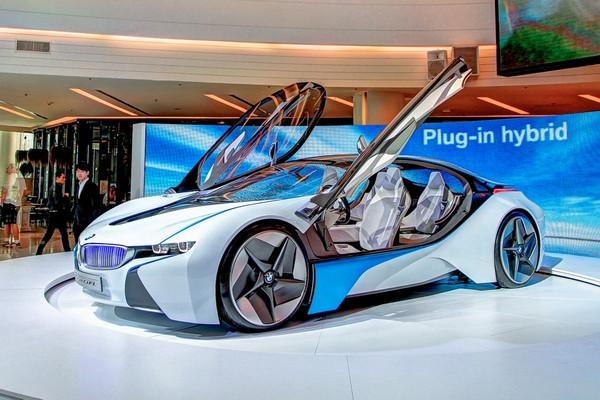 362 beygirlik BMW 2.5 litre tüketiyor