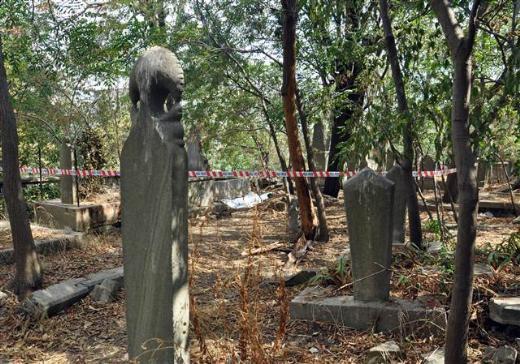 Mezarlıkta tehlikeli tahrik