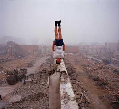 Çinli fotoğrafçı fizik kurallarına yok sayıyor !