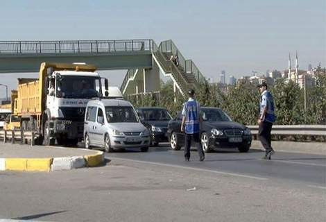 Başbakan için trafik durduruldu