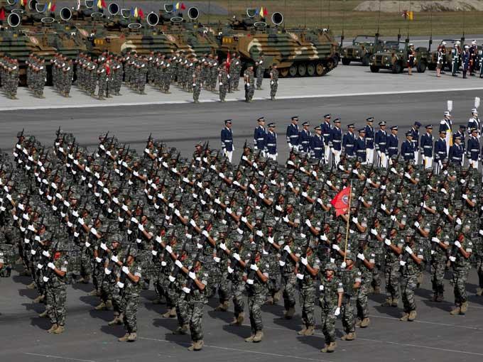 Güney Koreden gövde gösterisi