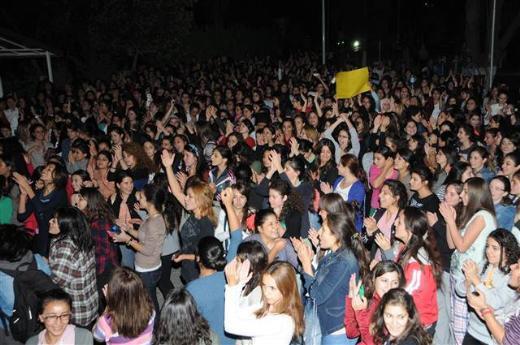 Kızlar yurdunda protesto