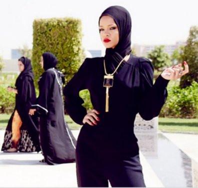 Rihannanın başörtülü görüntüleri