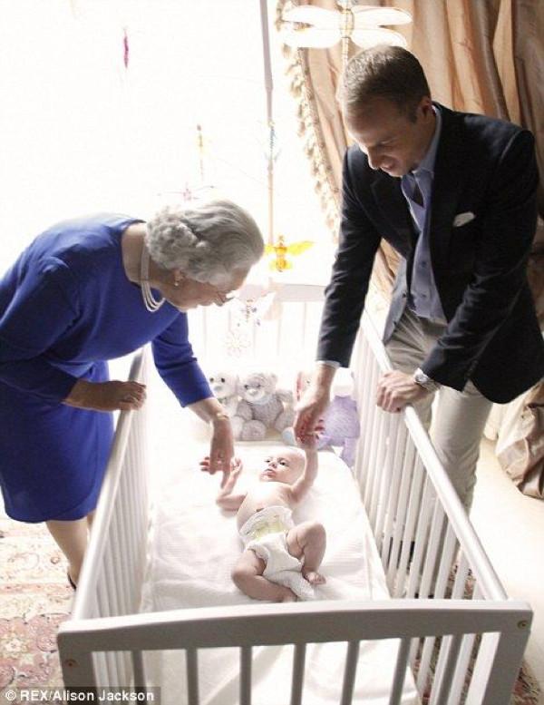 Kraliyet ailesini hiç böyle görmediniz