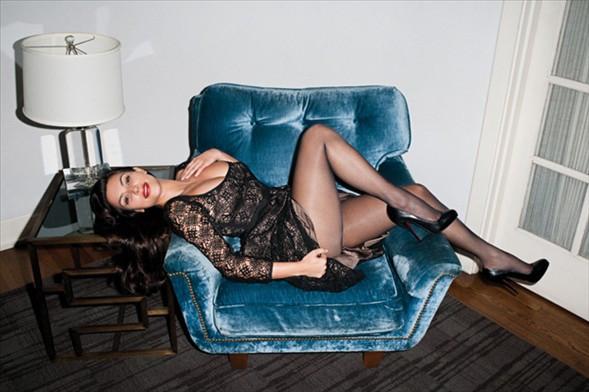 Kim Kardashianı fotoğraf çekiminin kamera arka