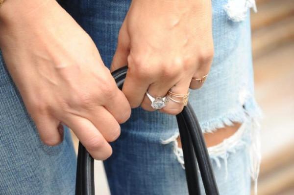 150 bin $'lık nişan yüzüğü