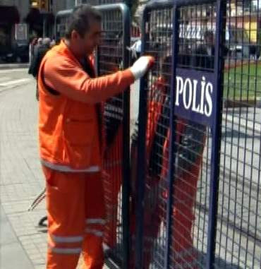 Taksim'de sıkıyönetim başladı!