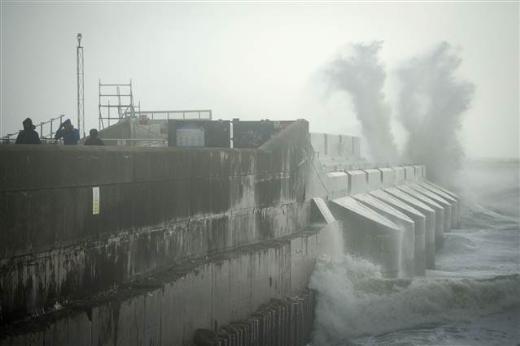 İngilterede fırtına alarmı