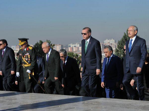 Liderler Anıtkabirde buluştular