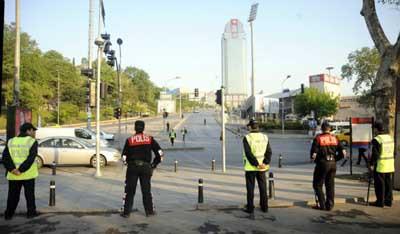 Asker Taksimde !