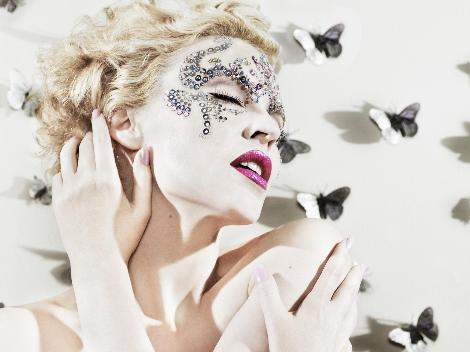 Kylie Minogue geyşa oldu