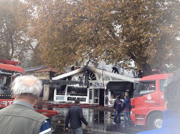 İstanbul Emirgandaki Süt-İş yanıyor