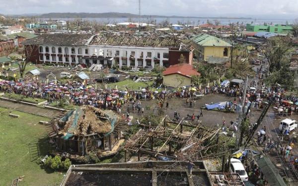 Süper tayfun 12 bin can aldı