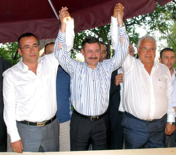 Ankara'da Melih Gökçek eriyor