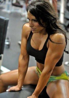 Yeni trend fitness yapıp vücut sergilemek