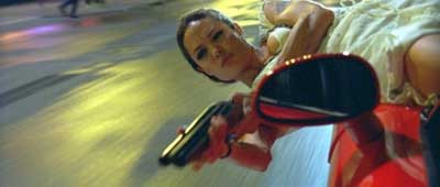 Angelina Jolienin yeni filmi WANTED