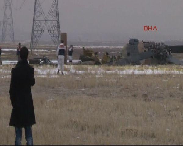 Askeri helikopter düştü, 4 şehit