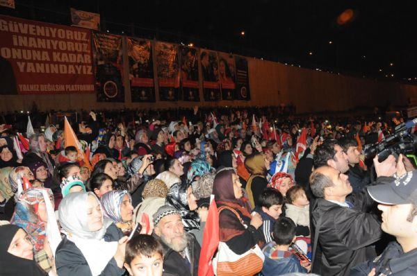 Başbakan Erdoğana kefenli destek