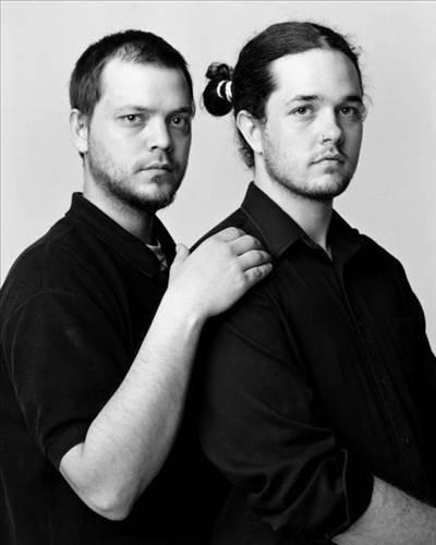 Birbirini tanımayan ikizler