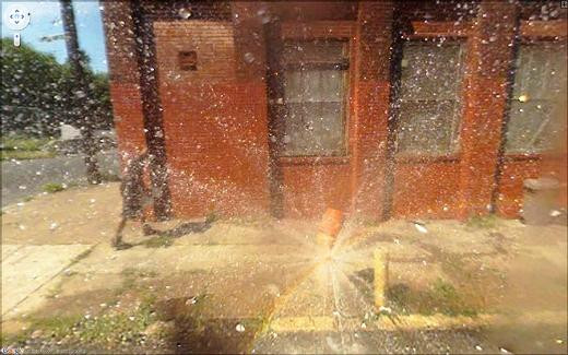 Street Viewa takılan sıradışı görüntüler