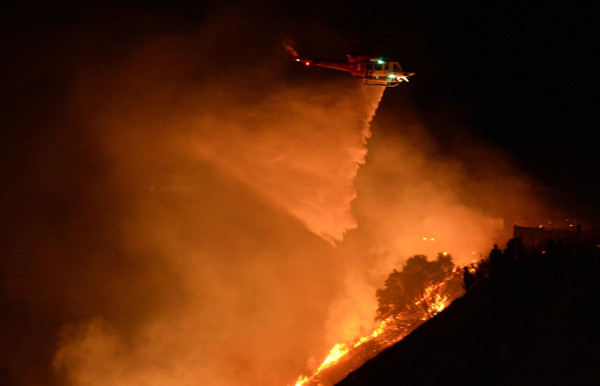 Kaliforniyadaki yangınlar 10 hektarlık alanı kül etti