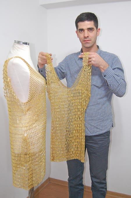 300 bin TLlik altın elbiseyi 8 kişi aldı