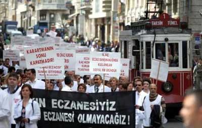 Eczacılar Taksimde eylemde