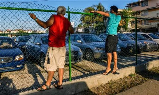 Küba'ya ithal otomobil geldi ama kimse alamıyor